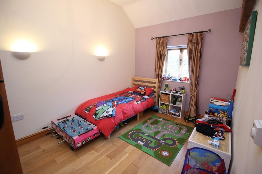 2 Bedroom Barn Conversion For Sale In Friesian Court